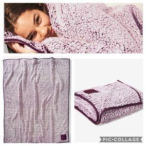 VS Pink Sherpa blanket NWT